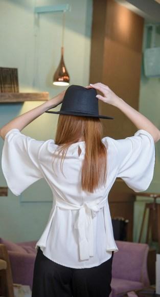 Μπλούζα με καμπάνα μανίκι